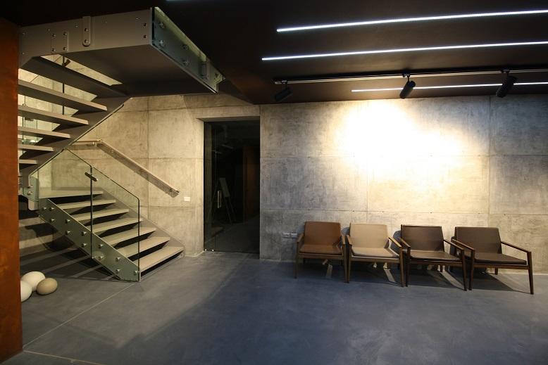 escaliers contrats de marche. Black Bedroom Furniture Sets. Home Design Ideas